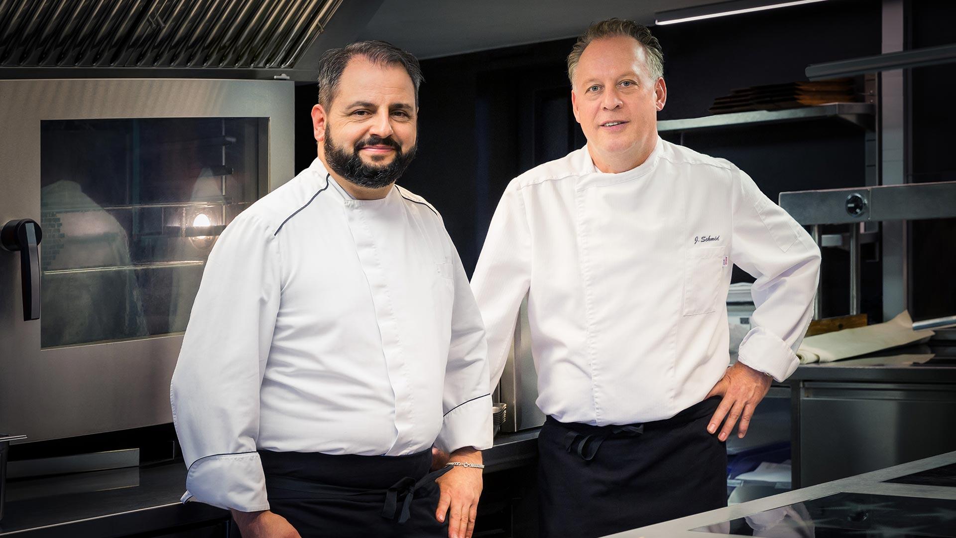 Carlo Bet und Jürgen Schmid betreuen die Küche des Restaurant Löwen, Gonten