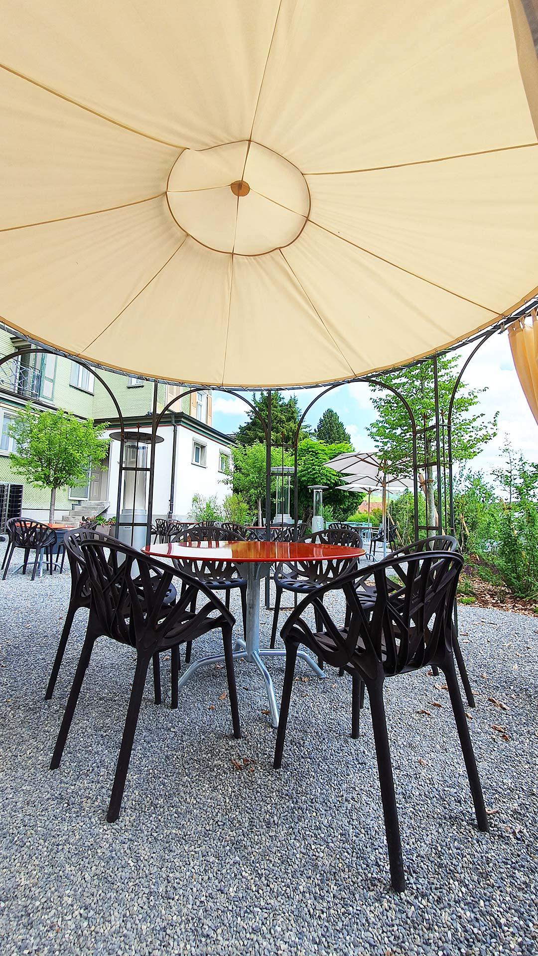 """Terrasse des """"Leuen"""" in Gonten, Appenzell"""